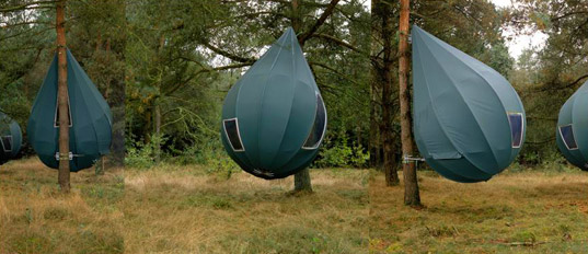 Not being the outdoorsy type Iu0027m probably not the best judge of the relative benefits of these drop-shaped tree-hanging tents. But what a look! & Thirsty in Suburbia | Invasion of the Water Pods